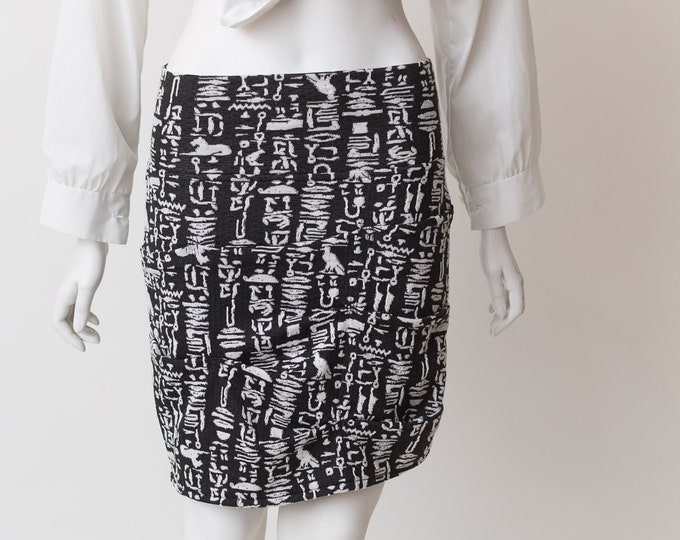 "Vintage Black and white Skirt -28-32"" waist Egyptian Hieroglyphics Symbols Pattern -  Spring or Summer Monochromatic Short Skirt"