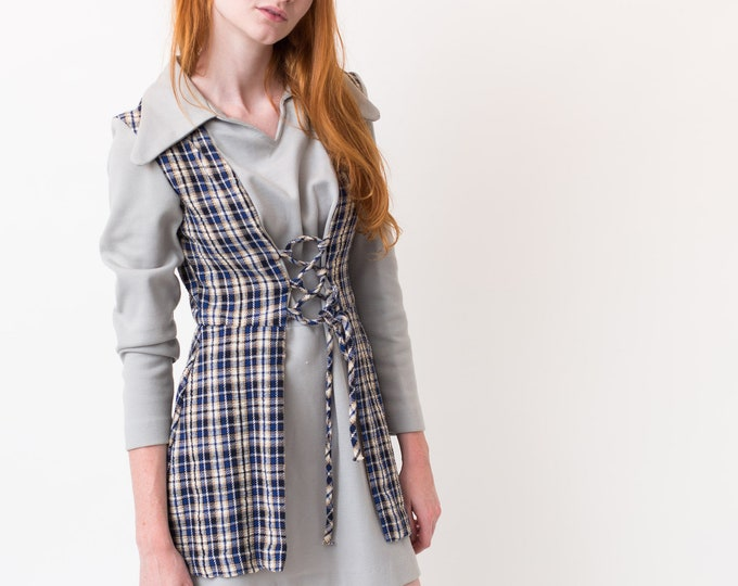 Vintage Grey Checkered Dress - Small Size Retro Autumn Country Stampede Cowgirl Dress with Plaid Pattern and Long Sleeves with Lace up front