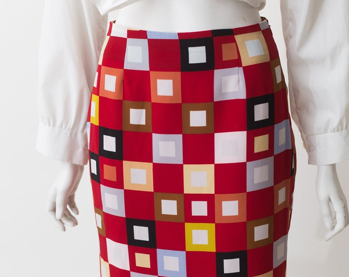 """Burgundy Red Skirt - 26"""" Vintage Red Skirt - Short cut Spring or Summer Solid Simple Skirt with Geometric Square Mod Shape Pattern"""