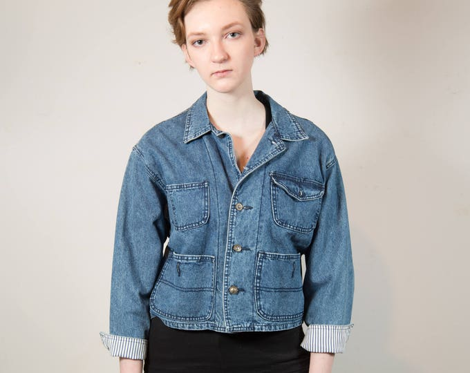 Vintage Cropped Blue Denim Jacket - Medium Women's or Ladies Vintage Buffalo Button Up Coat - Made in Hong Kong