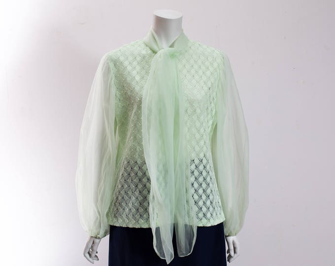 Vintage Green Textured Top with Sheer Arms / Soft Pastel Green Ladies Shirt with Zip Up Back and Roll Down Collar / Made in Canada / Size 18