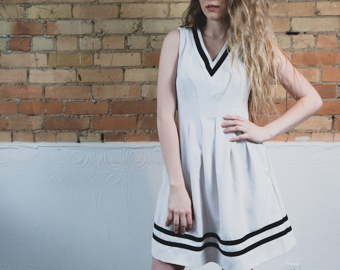 Vintage Tennis Dress - Sporty White and Stripes Summer Short Dress with Striped Skirt and V-neck in off White - Retro Sport Attire