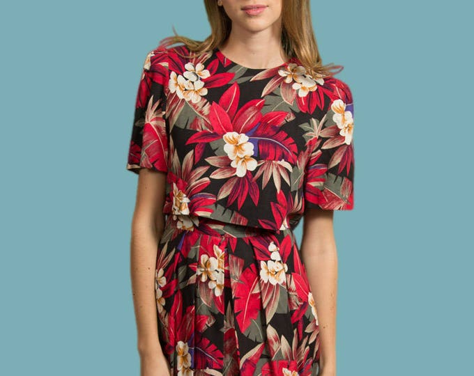 Vintage Floral Dress - Size Small Red, Green, Black and White Jungle Tropical Ornate Privé Petites Linen Button Up Short Sleeve Mid Dress