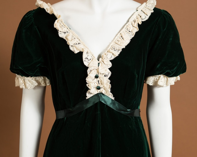 Vintage Green Velour Dress - French Style Emerald and Cream Lace Ruffled Dress - Wednesday Adams Prom Dress - Morticia Addams