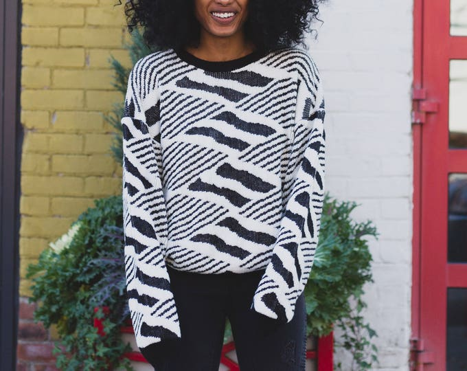 Vintage Acrylic Sweater - Black and White Geometric Pullover with Zig Zag Pattern - Warm Winter Ladies Women's Sweater