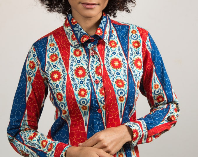 Vintage Western Shirt - Women's / Ladies Long Sleeve Shirt with Pointed Collar and Geometric Diamond and Floral Pattern