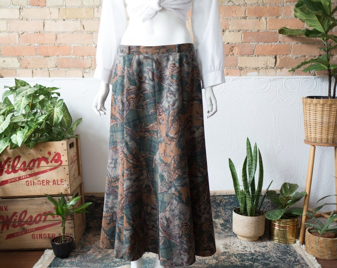 "Vintage Country Style Skirt - 32"" High Waisted Spring Summer Wool Skirt with Nature Earth tone Green and Brown pattern with Ducks and Leaves"