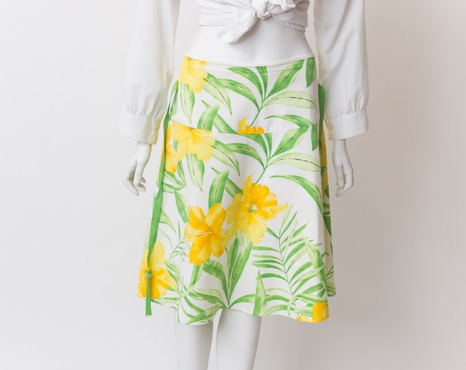 "Vintage Floral Skirt - 30"" Waist Spring Summer Hawaiian Flower Print Skirt with Yellow and Green and White Floral pattern"