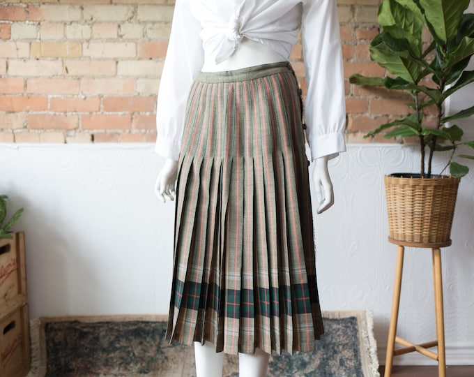 "Vintage English Style Skirt - 27"" High Waisted Spring Summer Skirt with Stripe Tartan pattern"