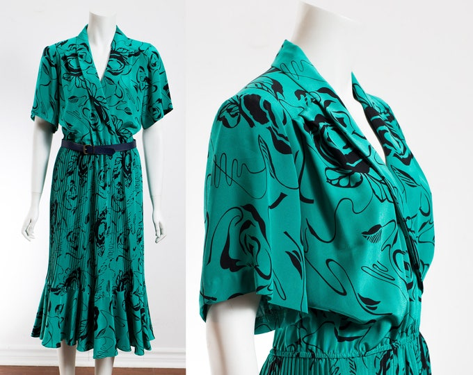 Vintage Green Dress / Green Maxi Dress with Pleated Skirt and V-beck and Black Floral Pattern and Elastic Waist / By Positive Influence