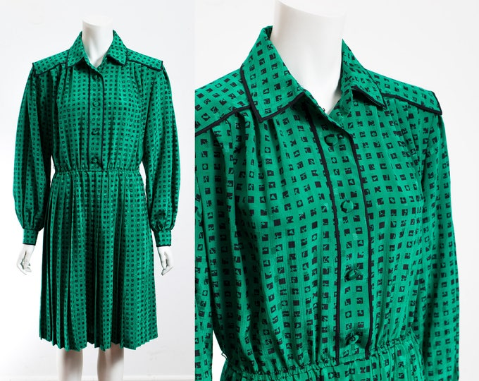 Vintage Green Dress / Green Maxi Dress with Pleated Skirt and V-beck and Black Checkered Pattern and Elastic Waist /  by Rouie, Hong Kong