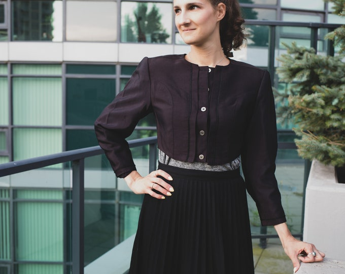Vintage Cropped Jacket / Designer Price Roman Victorian Style Black Blazer with Short Bust and Button up Front and Puffy Arms