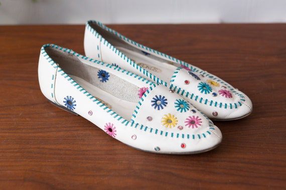 Vintage White Leather Flats - Women's Hokus Pokus