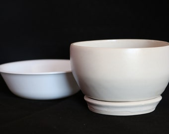 Ceramic Berry Bowl with Base