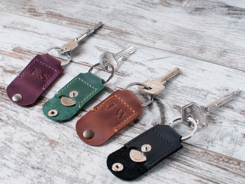 Custom leather keychain 3rd anniversary gift Coin holder keychain Leather  key fob Leather key Coin keychain leather Personalized gift
