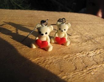 Kawaii Bear holding heart dangle earrings