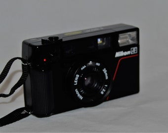 Nikon L35 AF Pikaichi Classic Compact 35mm Film Camera With Original Case