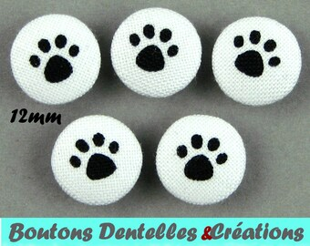 Fabric covered buttons - cat - cat paws - (12-02)