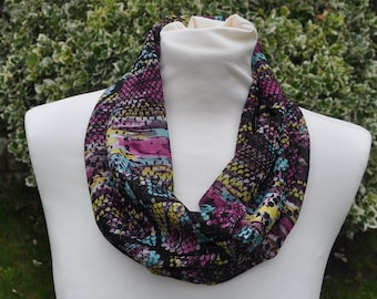 Cowl//snood Infinity Scarf chiffon paisley beige black red ivory