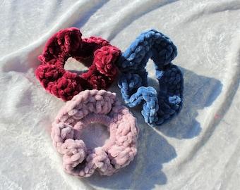 Velvet crochet crunchie/ crochet velvet scrunchie