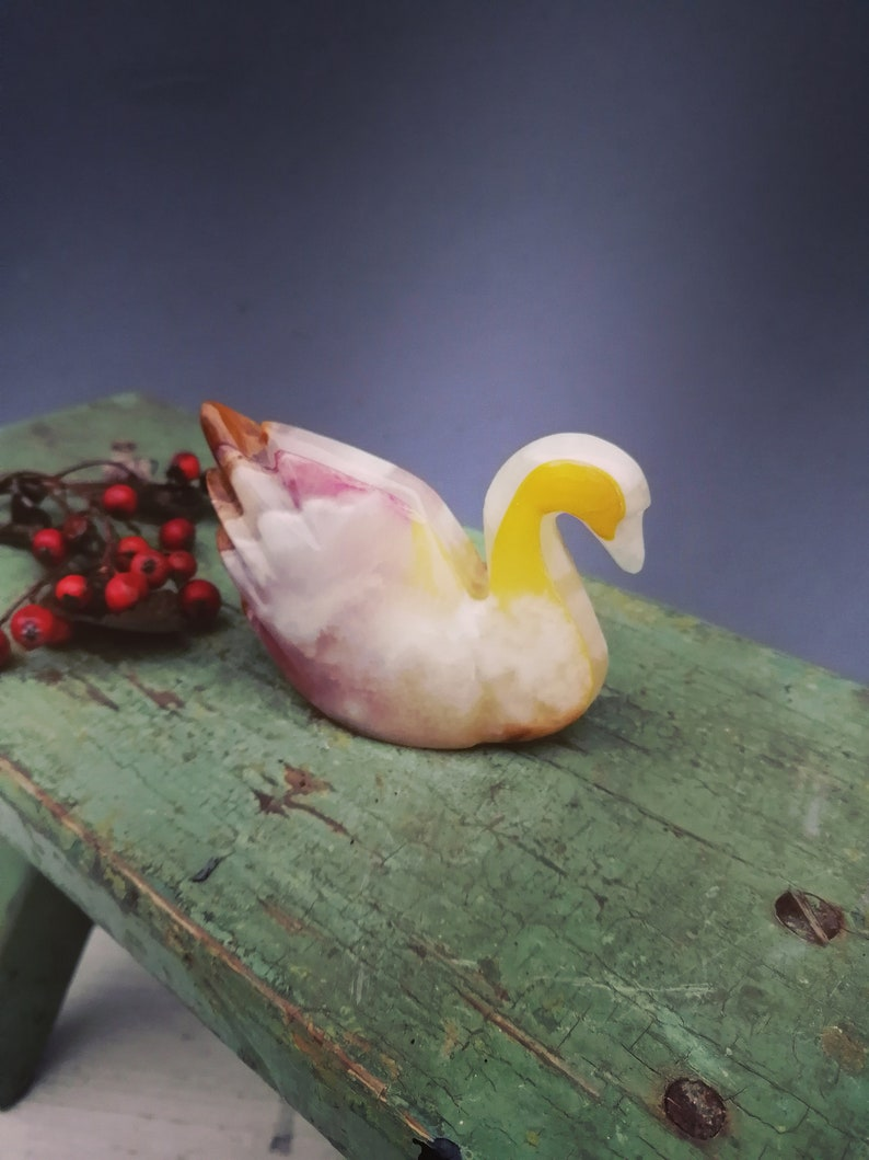 Unique Figurine Onyx Figurine Collector/'s Gift Stone Swan Swan Figurine Swan Sculpture Onyx Swan Swan Statue Vintage Swan Decor