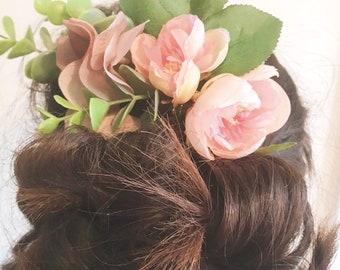 Beautiful blush pink nude hydrangea tea rose leaf and eucalyptus artificial bridal bride wedding hair piece comb vintage floral rose gold