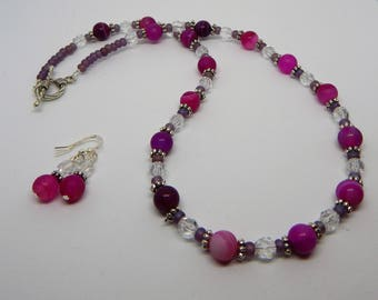 Set necklace and earrings agate and glass