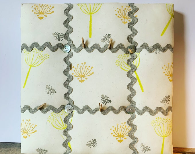 Bee Seedling Memo Board