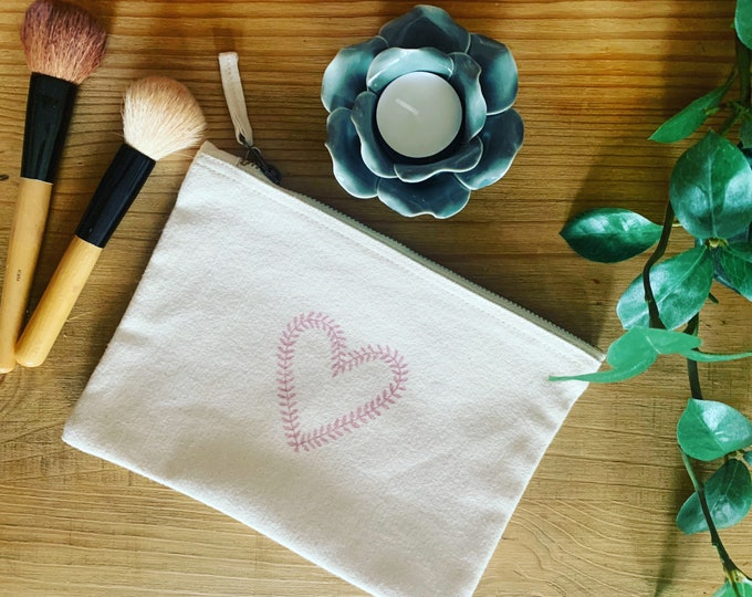 Heart Wreath Make Up Bag