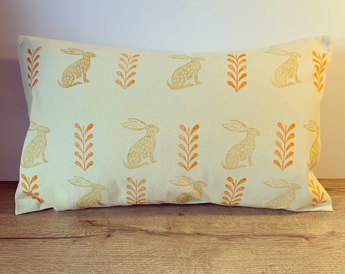 Hare Leaf Cushion