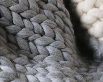 Grey Chunky Knit blanket in Merino Wool