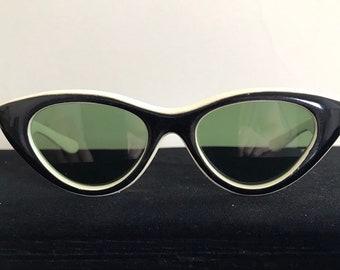 424e39cd2111c Vintage 50s Foster Grant Black  White Cat Eye Sunglasses