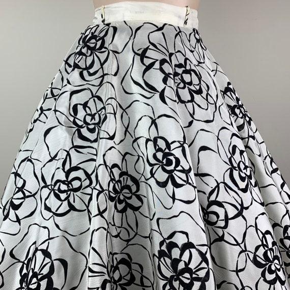 Vintage 50s Taffeta Flocked Circle Skirt