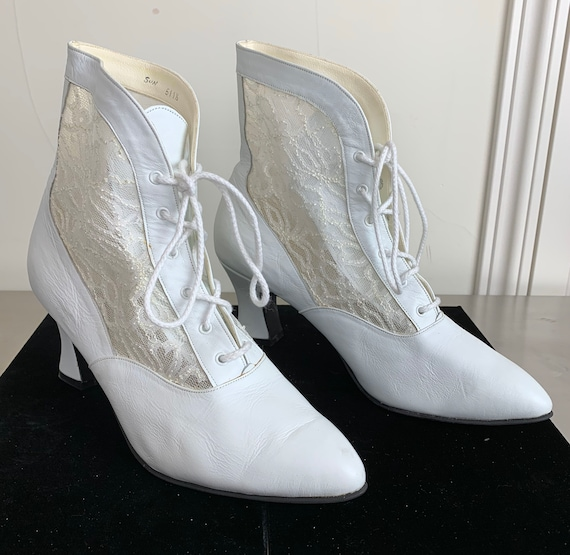 Vintage 80s White Leather Lace Boots Victorian Bri