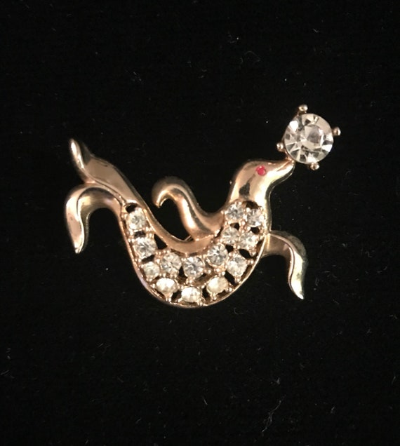 Vintage 50s Novelty Trained Circus Seal Brooch - image 1