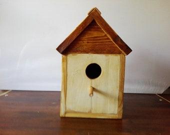 Birdhouse raw wood birds