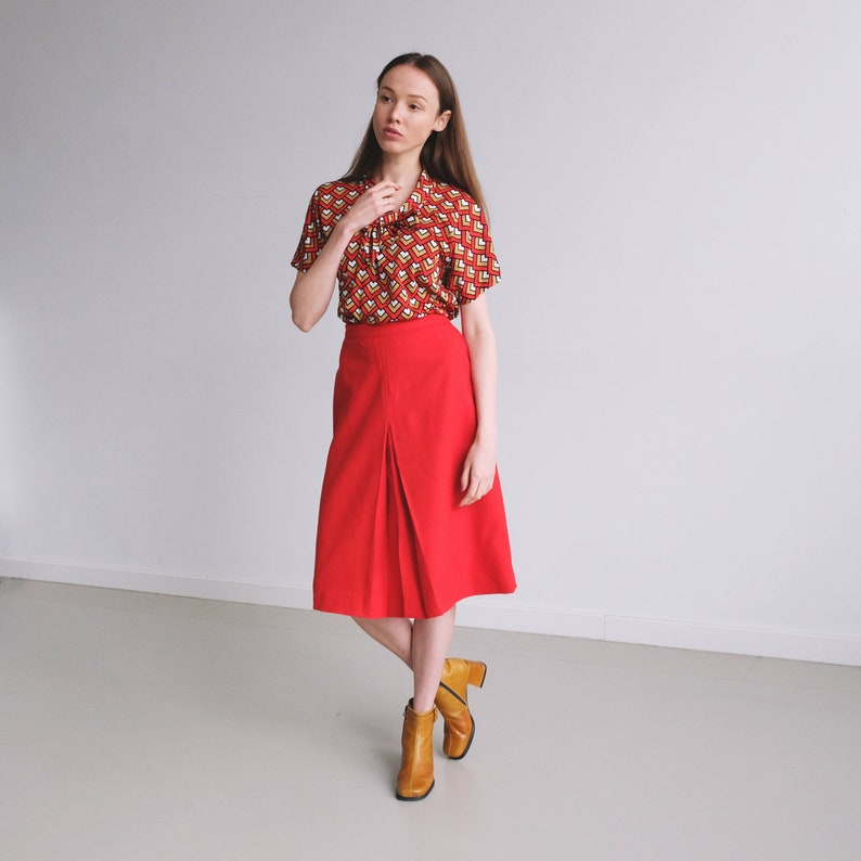 9e4b3aa455 80s Woollen Red Midi Skirt Inverted Pleat A-Line Skirt Front   Etsy
