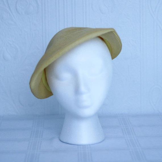 40's 50's yellow summer straw hat - small medium