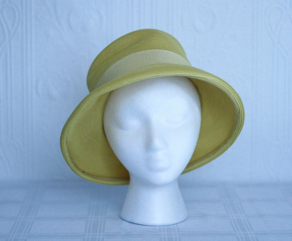 50's 60's yellow straw hat