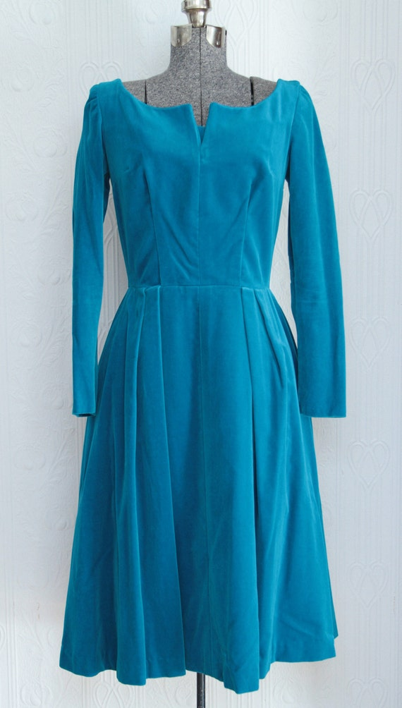 Like new - Petite 50's velvet blue dress