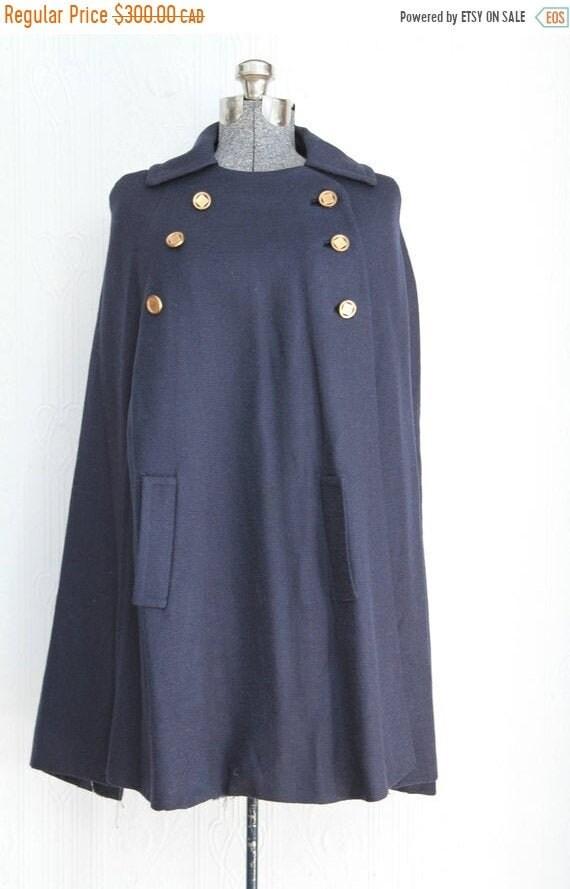 Fall sale - Art Deco 20's 30's wool cape