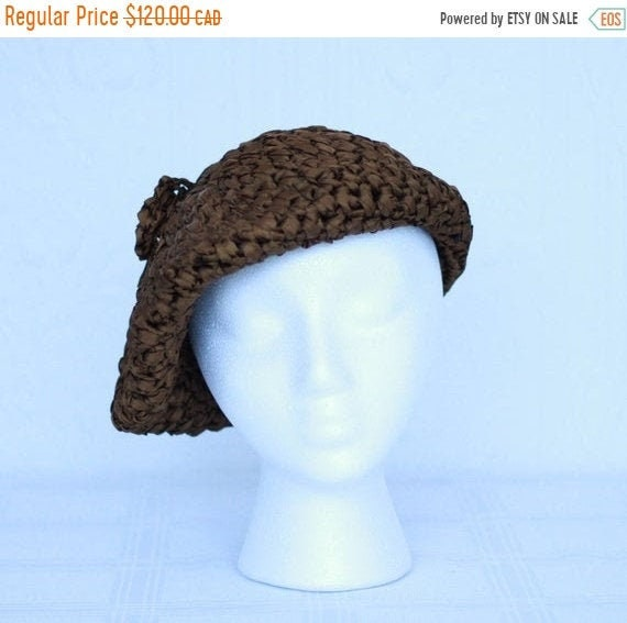 Fall sale - 60's or 70'S brown silk ruban beret by