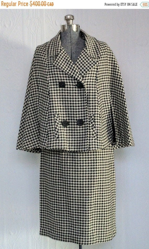 Fall sale - 60's Houndstooth cape suit small/mediu
