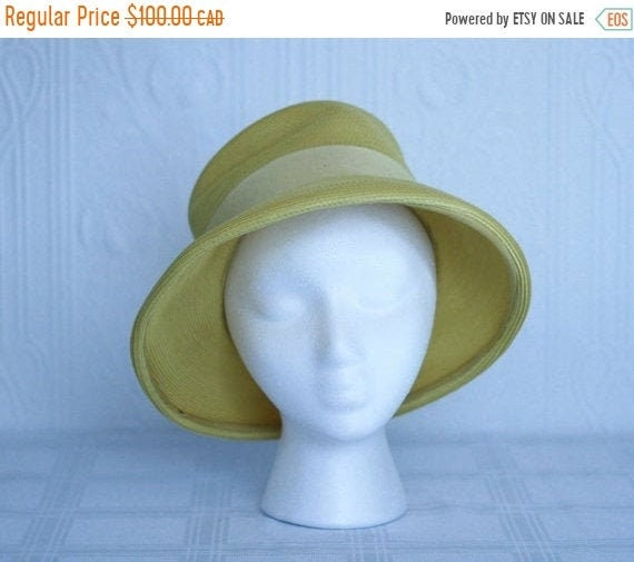 Fall sale - 50's 60's yellow straw hat