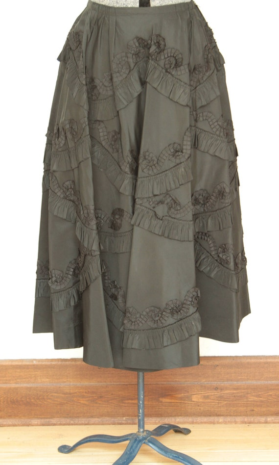 New look 50's taffeta black skirt