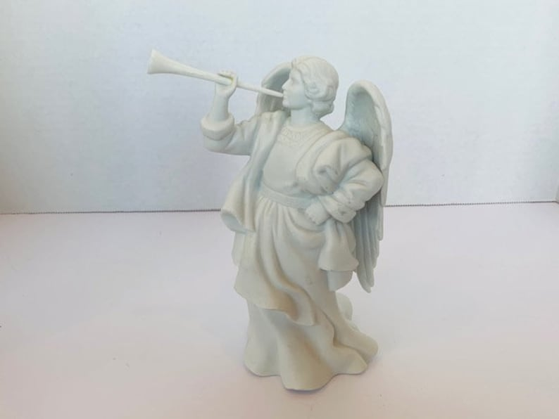 AVON VINTAGE FIGURINE 1992 Nativity Angel Gabriel Trumpet porcelain gift decor sculpture vtg mcm collectible Michael Christmas Holiday