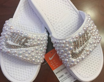 san francisco 810c3 e0614 Bling Nike Slides