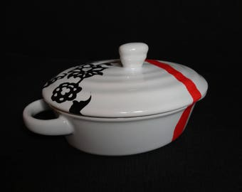 Mini casserole dish with handle and lid in Limoges porcelain