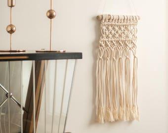 Borkowo>small macrame wall hanging