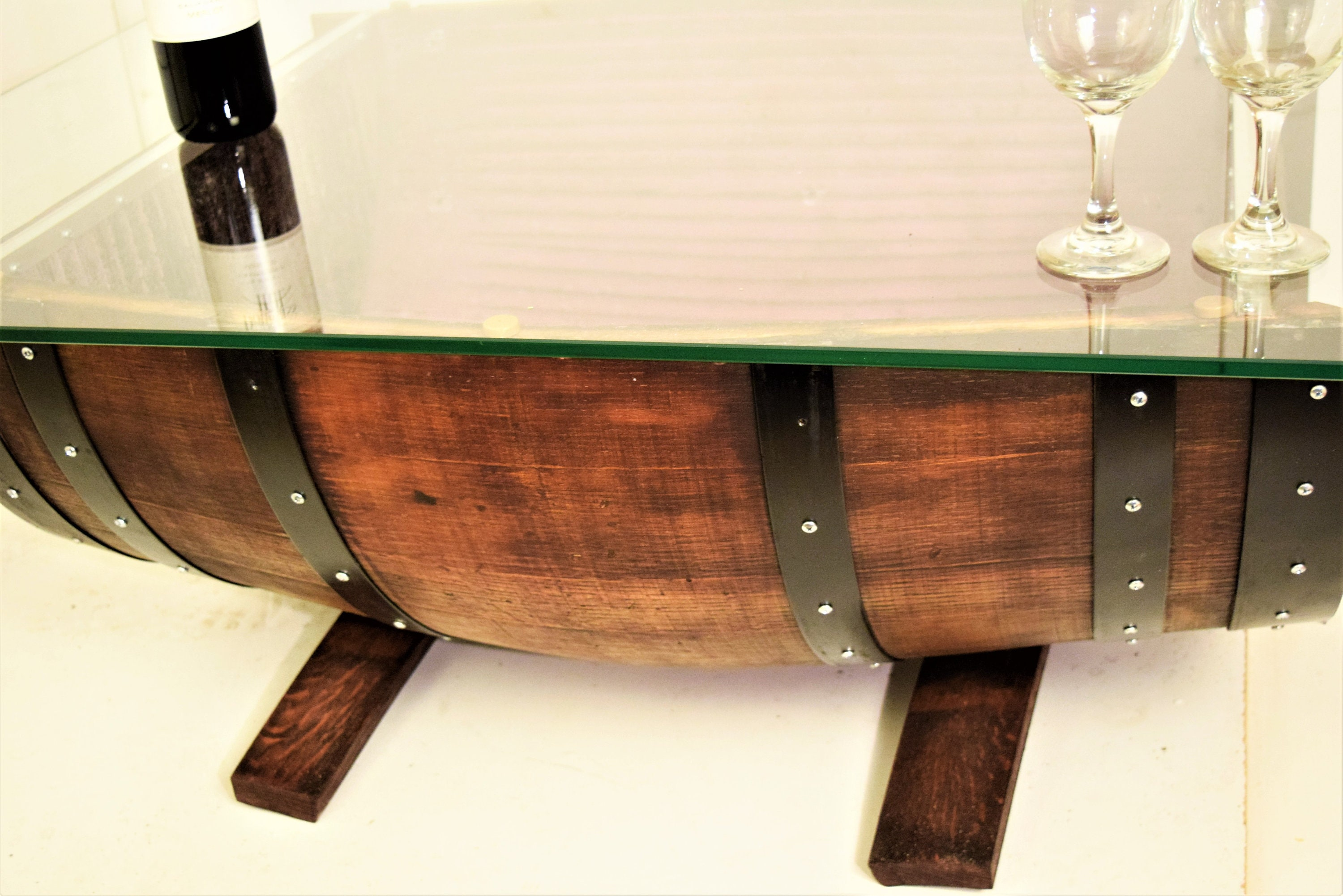 Incredible Half Wine Barrel Coffee Table And Glass Top With The Remainder Of The Barrel In Reverse Position Includes 3 Pendant Hanging Lamp 2108R Download Free Architecture Designs Scobabritishbridgeorg